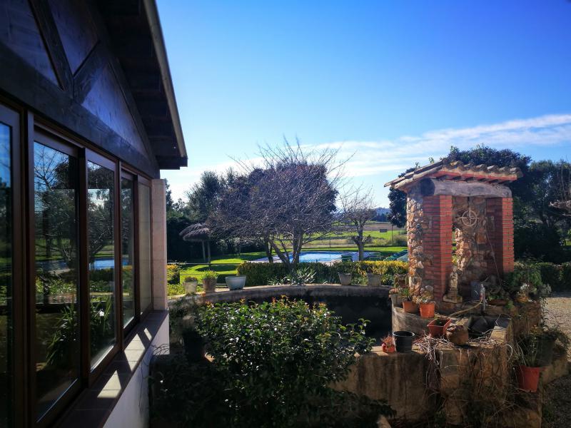 vista desde la cocina de la casa rural de Can Micos | Girona