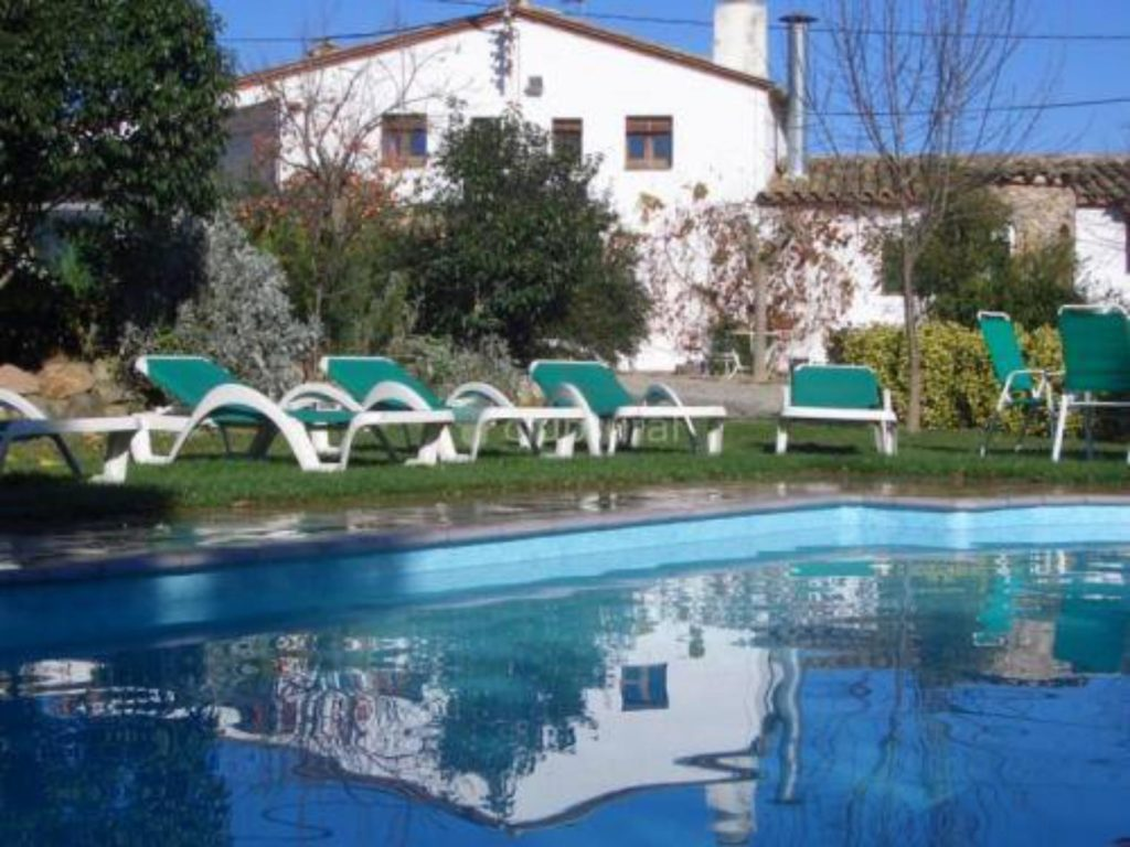 casa rural con piscina en Girona