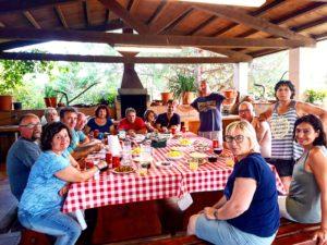 Experiencia paella: clientes disfrutando el dia