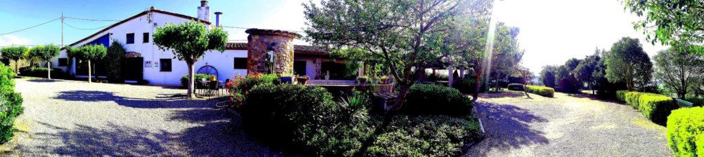 panoramica de la casa rural de Can Micos