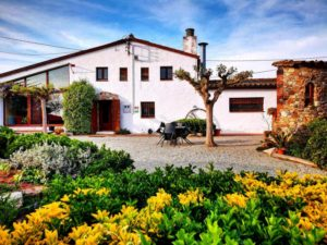 Portada de Can Micos, casa rural en Girona Costa Brava
